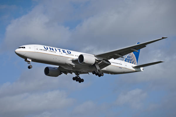 Amex Car Buying >> United Airlines Boeing 777 Airplane