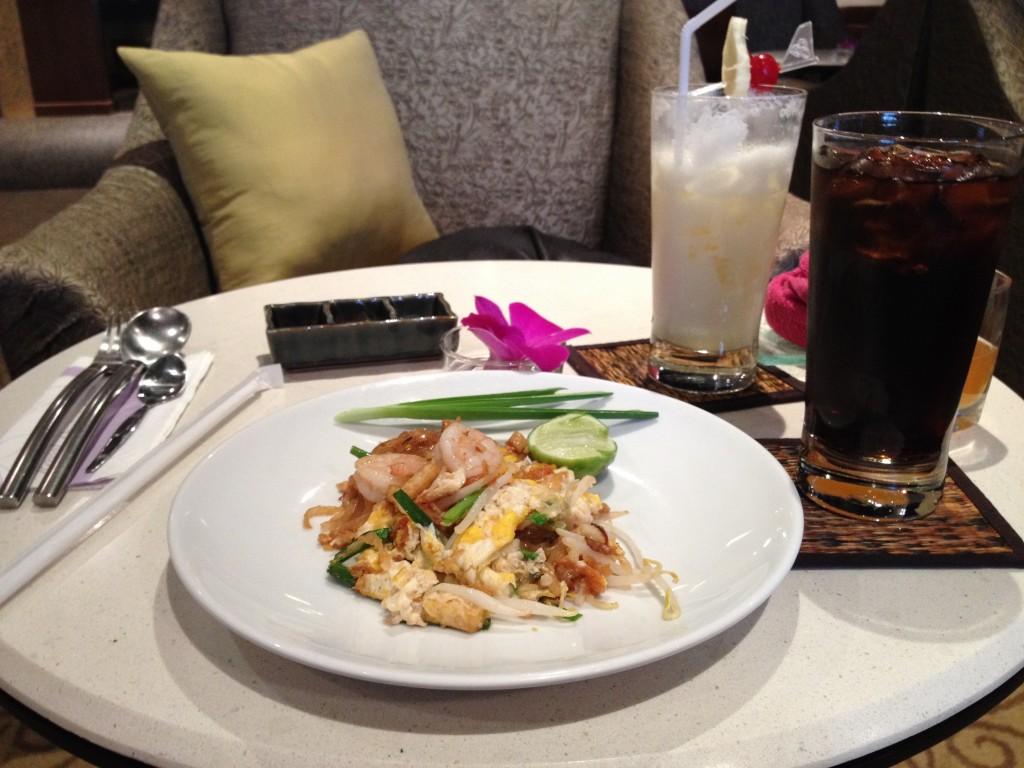 Chicken Pad Thai at the Thai Airways First Class Lounge