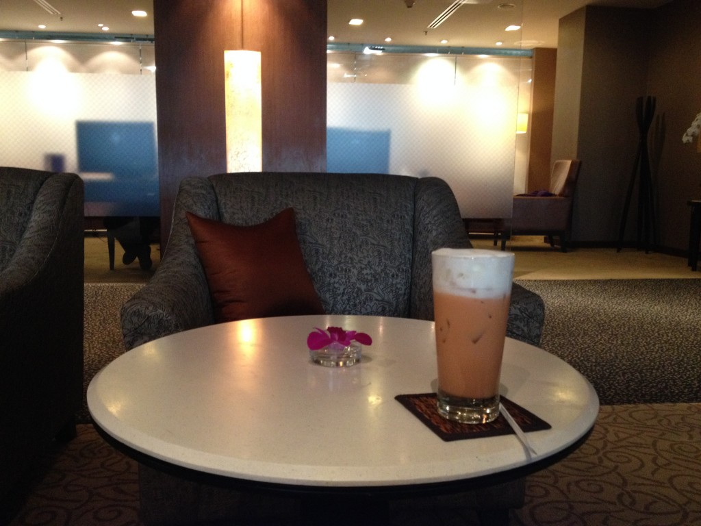 Thai Airways First Class Lounge Thai Iced Tea Bangkok Suvarnabhumi Airport