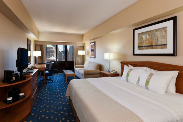 Holiday Inn Chicago-Mart Plaza River North Source: Hotel website