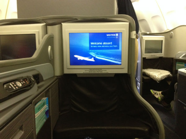 United Global First Class Seat 747 SYD- SFO