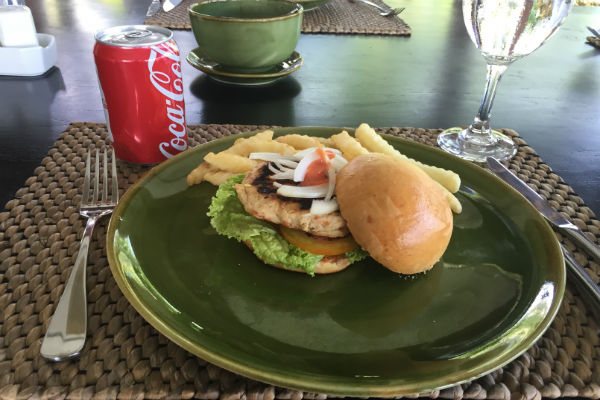 Dry chicken burger for lunch at Villa Bulung Daya