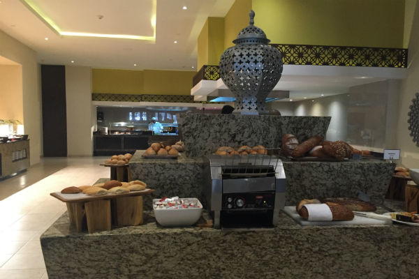 Bread Station La Plaza Buffet Hyatt Ziva Los Cabos