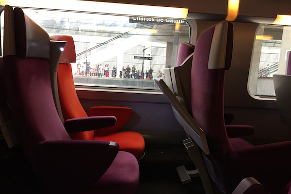 taking the tgv train from charles de gaulle airport to calais. Black Bedroom Furniture Sets. Home Design Ideas