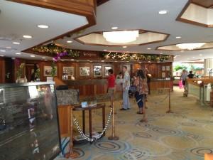 Hyatt Regency Waikiki Beach Hotel Review