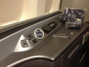 United Airlines Global First Class Seat 747 Honolulu - Tokyo Narita